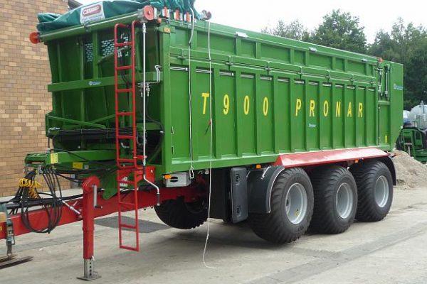 Traktorový náves Pronar T900 (23,5 t)
